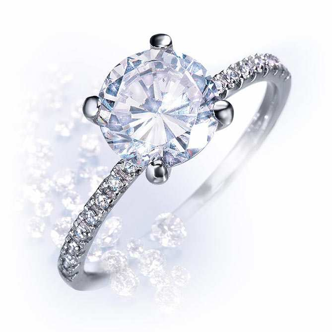 f9d3d1b8f13c Anillos de diamantes de Galería del Coleccionista