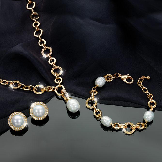 44e8ad784bb0 Conjunto Paraíso  Eslabones acabados en Oro de Primera Ley. Conjunto  Paraíso  72 cristales de Swarovski